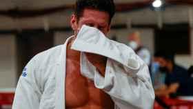 Niko Shera llora tras perder ante Davlat Bobonov en la repesca de los -90kg masculinos de judo llora tras perder ante Davlat Bobonov en la repesca de los -90kg masculinos de judo