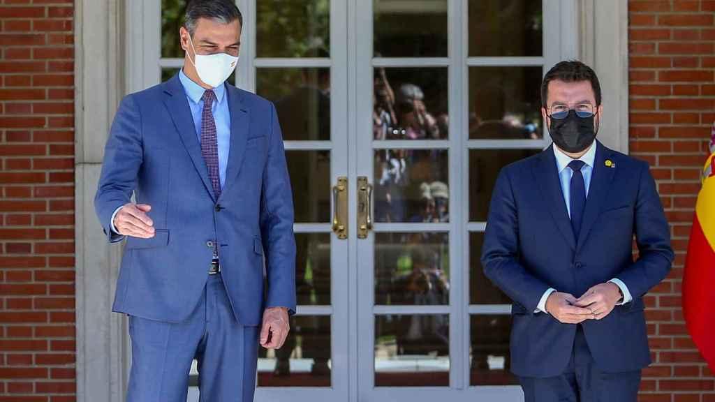 Sánchez y Aragonès, en una reunión en La Moncloa.