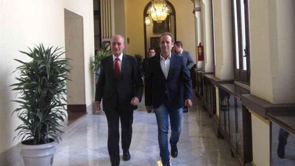El alcalde de Málaga, Francisco de la Torre, y Juan Cassá en una imagen de Archivo.