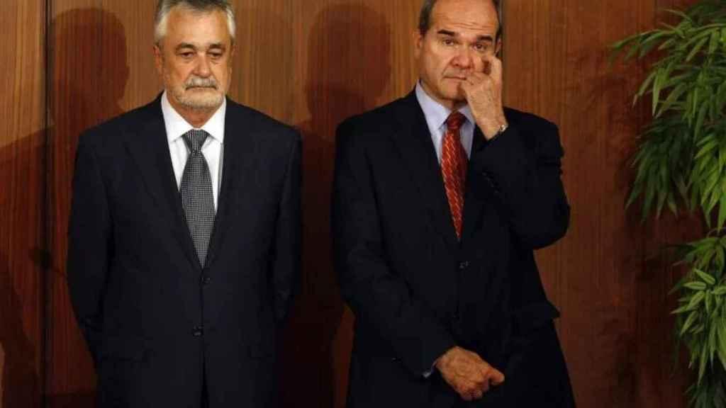 Los expresidentes socialistas de la Junta de Andalucía José Antonio Griñán y Manuel Chaves.
