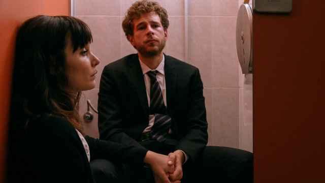 Nadia de Santiago y Álvaro Cervantes protagonizan 'El tiempo que te doy'.