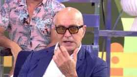 ¿Qué le pasa a Kiko Matamoros? ¿Por qué lleva gafas de sol en el plató?