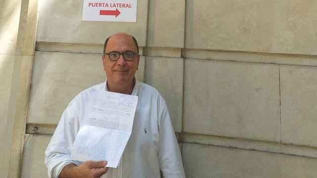 El abogado alicantino despedido por UGT con la denuncia ante Inspección.
