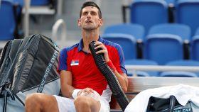 Novak Djokovic se refresca con aire en los JJOO de Tokio 2020