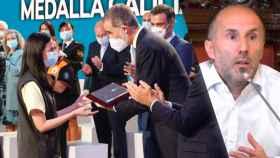 El Rey entregando la Medalla de Oro de Galicia (i) y el alcalde de Orense, Gonzalo Pérez Jácome (d).