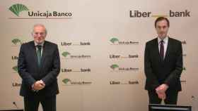Unicaja Banco y Liberbank cierran hoy su fusión para crear la quinta entidad de España