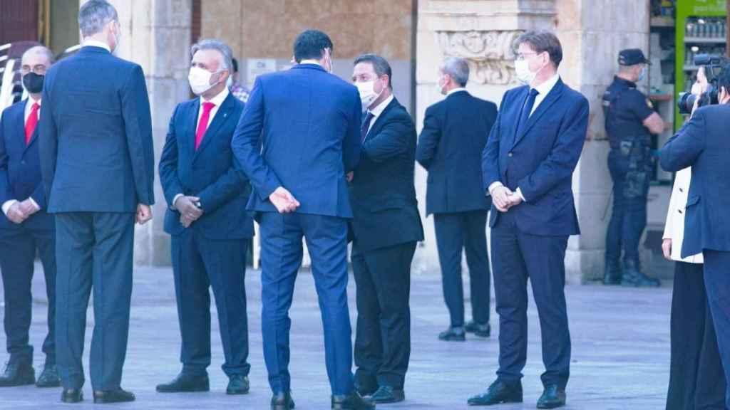 Page saluda a Pedro Sánchez