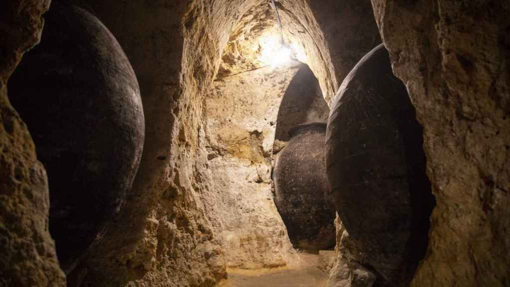 El interior de las Cuevas Árabes, del siglo X, que recorren el subsuelo de Brihuega.