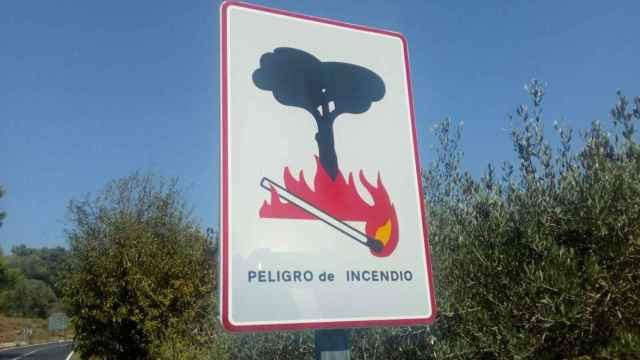 Cartel de peligro de incendios en la Comunidad Valenciana.