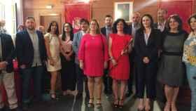 La alcaldesa de Corral de Almaguer, con el bastón de mando, con el resto de la Corporación en una imagen de archivo