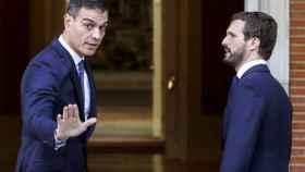 Sánchez  y Casado, en una imagen de archivo de una reunión en Moncloa en octubre de 2019./