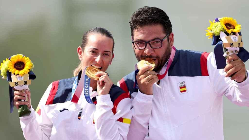 Fátima Gálvez y Alberto Fernández celebran la primera medalla de oro para España en los JJOO de Tokio