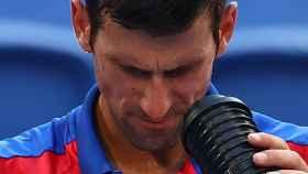 Djokovic se da aire fresco en los JJOO ante el calor de Tokio