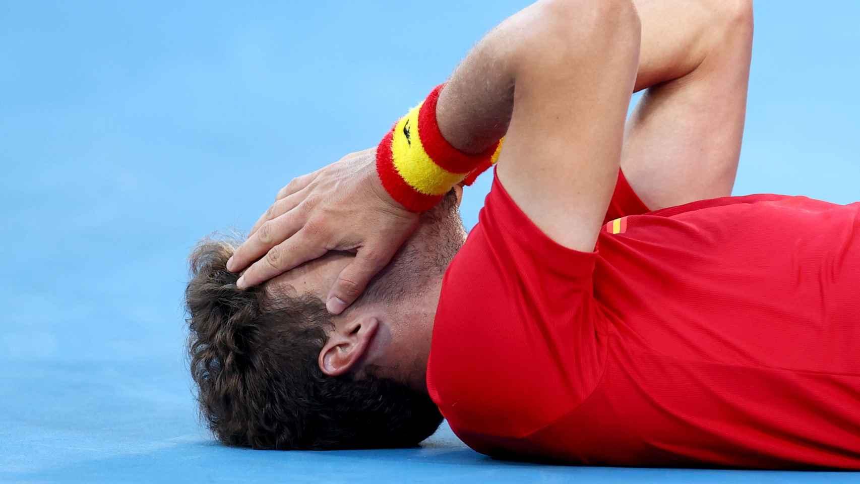 Carreño se cubre la cara de la emoción tras ganar el bronce
