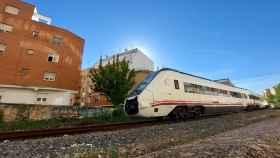 El Gobierno dice que es imposible avanzar una fecha para reabrir el tren convencional entre Cuenca y Utiel