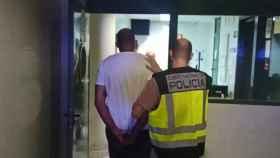 La Policía Nacional detiene a once personas en Elche por un robo de marihuana entre bandas.
