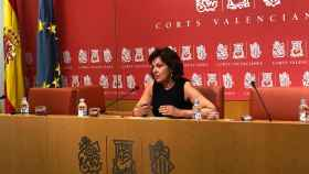 La portavoz socialista de Sanidad Carmen Martínez destaca el porcentaje total de población vacunada.