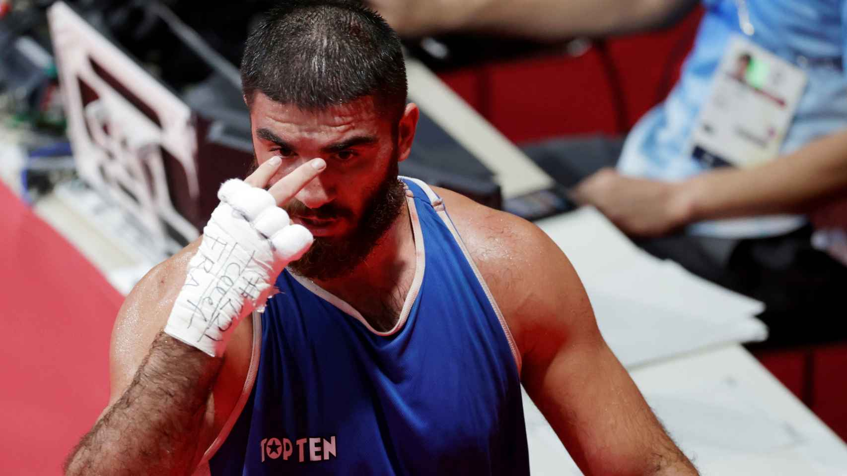 La pelea entre Mourad Aliev y Frazer Clarke en la que el francés fue descalificado