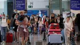 Salida de turistas en el aeropuerto de Málaga.