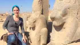 Marina Escolano en el Templo de Mut (Luxor), donde ha excavado entre 2010 y 2018.