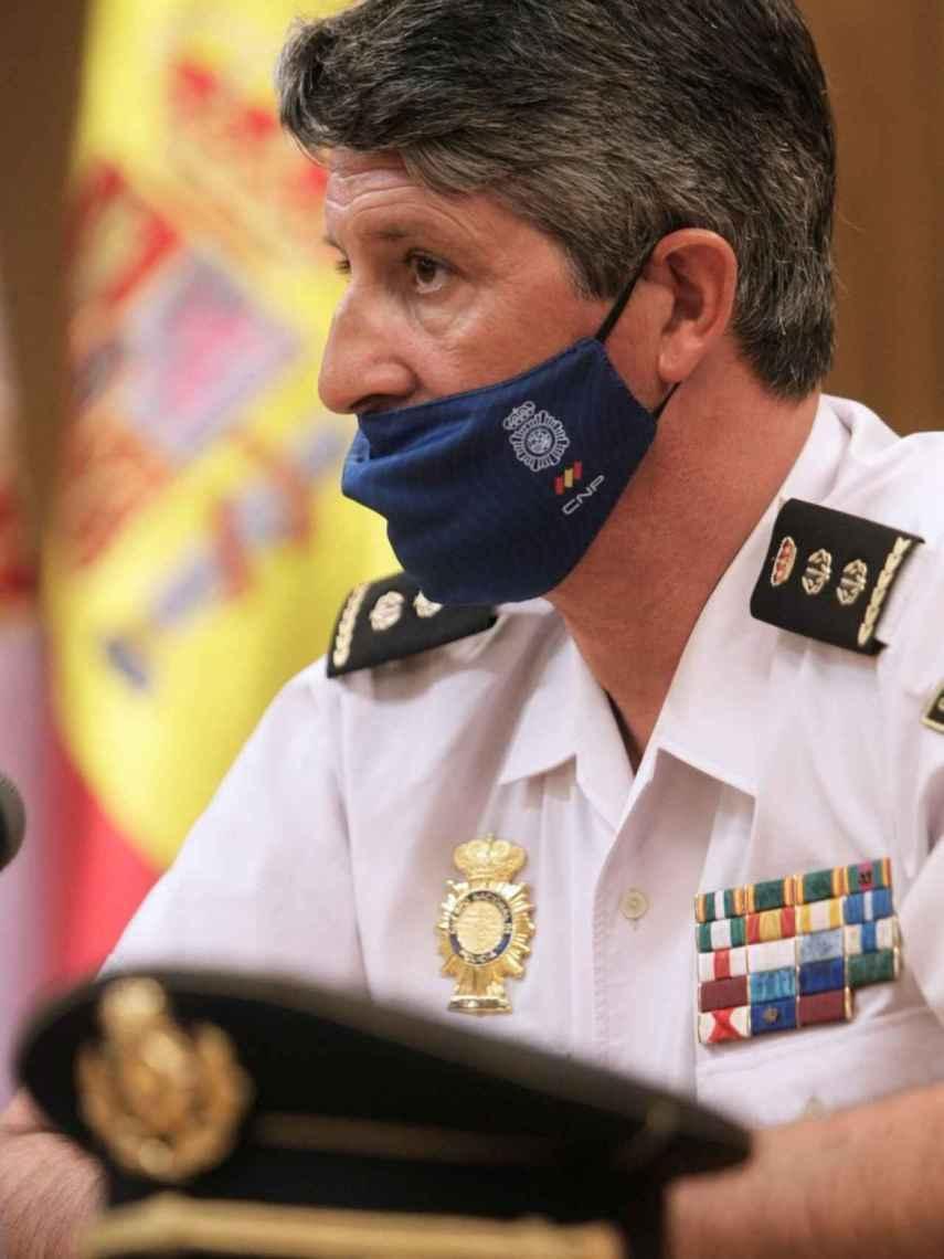 El comisario Pedro Agudo,  jefe de la Brigada Provincial de la Policía Judicial de la Jefatura Superior de Policía de A Coruña, da cuenta de los detalles de la investigación