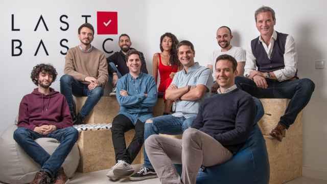 Equipo humano de Lastbasic, la startup que empodera a los inventores gracias a su tecnología.