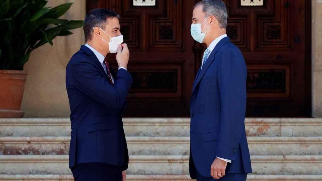 Felipe VI y Pedro Sánchez, este martes en Marivent.