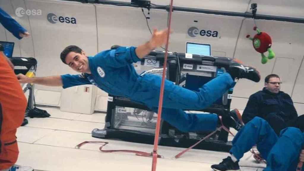Álvaro Soria, en un vuelo parabólico