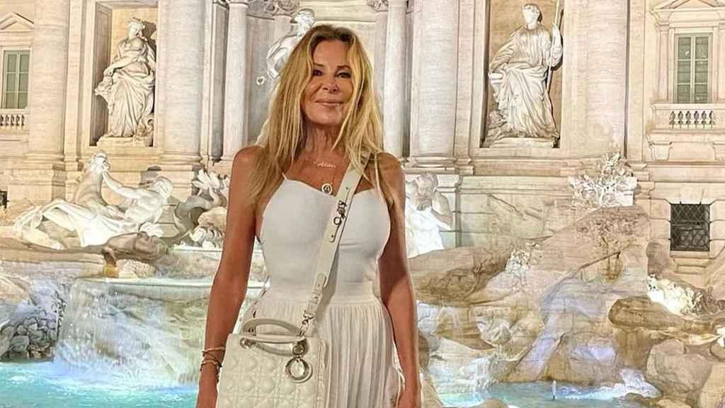Ana Obregón, en una imagen de sus redes sociales frente a la Fontana di Trevi.