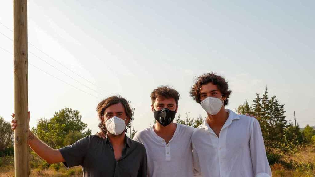 Ángel 'Gelete', Pablo y Hugo Nieto durante un homenaje celebrado en honor a su padre el pasado 30 de julio de 2020 en Ibiza.