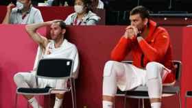 Marc Gasol y Rudy Fernández, desolados en el banquillo de España