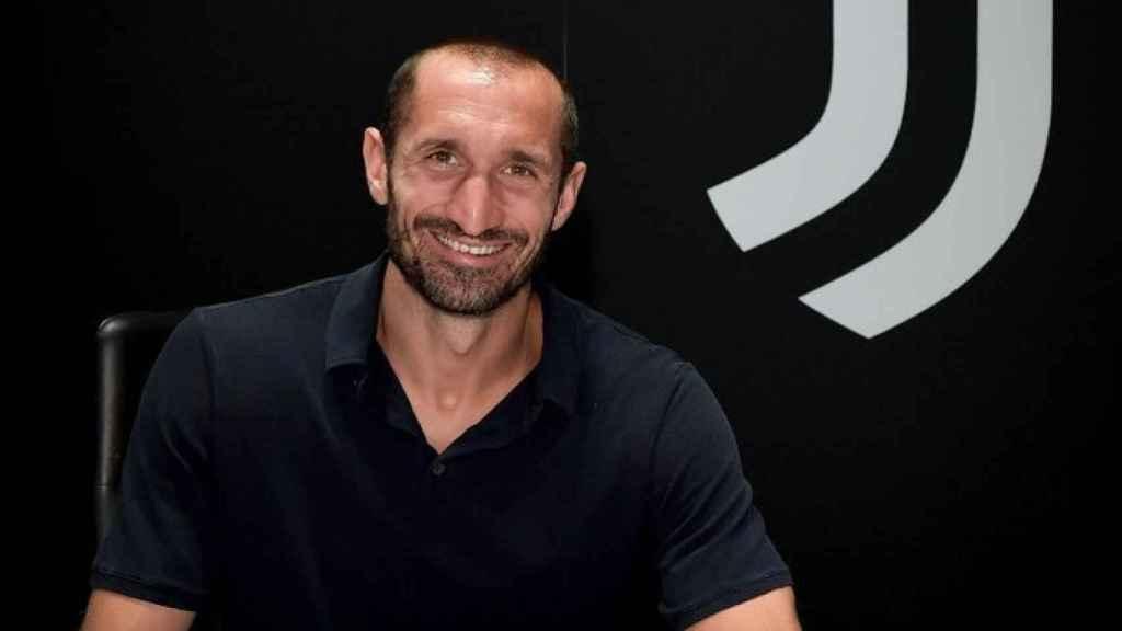 Giorgio Chiellini, en la firma de su renovación con la Juventus