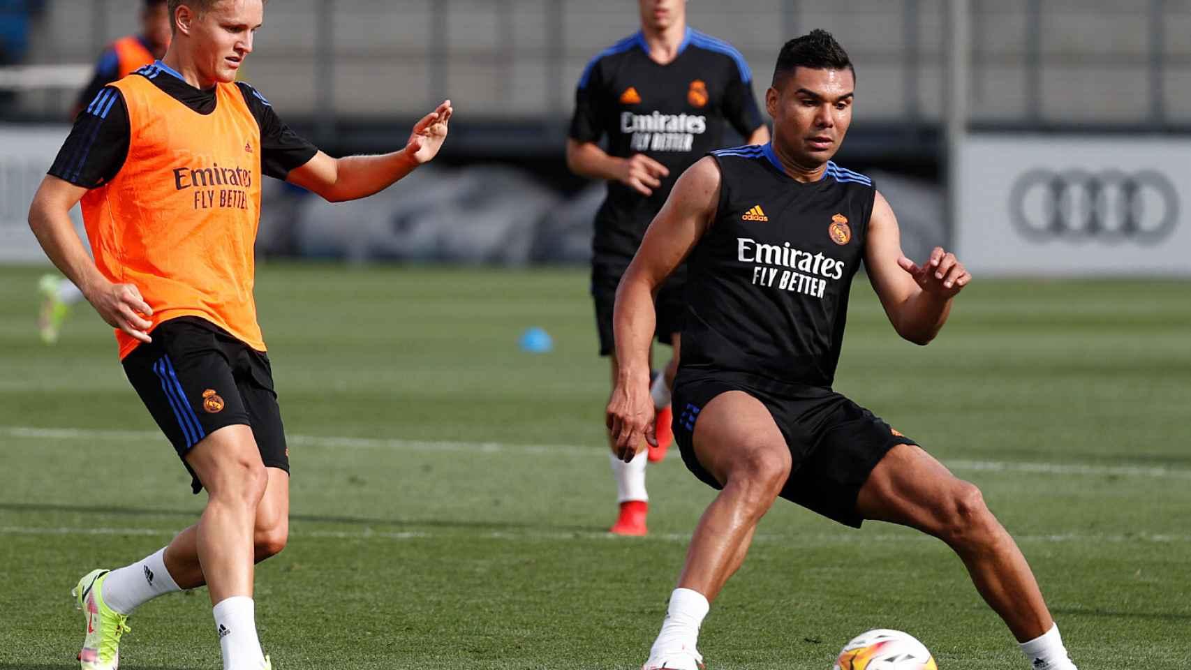 Odegaard y Casemiro se entrenan