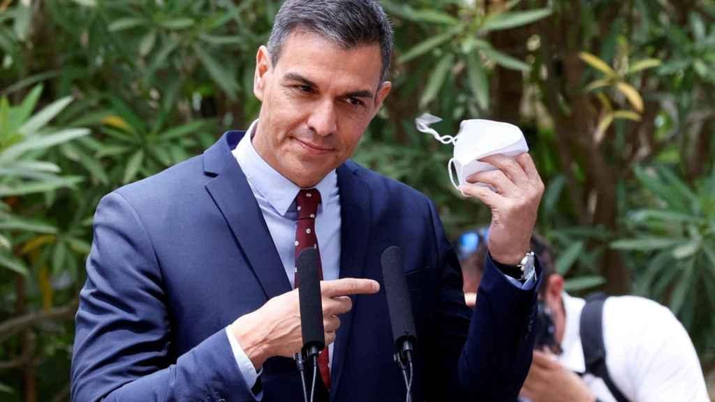 El presidente del Gobierno, Pedro Sánchez, tras mantener el tradicional despacho de verano con el rey Felipe VI. Efe