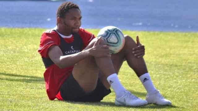 Lucien Owona en su etapa como jugador del Almería.