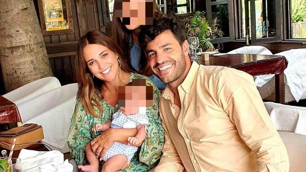 La feliz familia de cuatro, en una fotografía del perfil de Instagram de la actriz.
