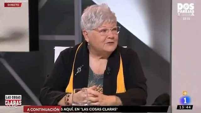 Una tertuliana de Cintora arremete contra TVE por reponer 'Verano Azul': Es la caspa del franquismo.