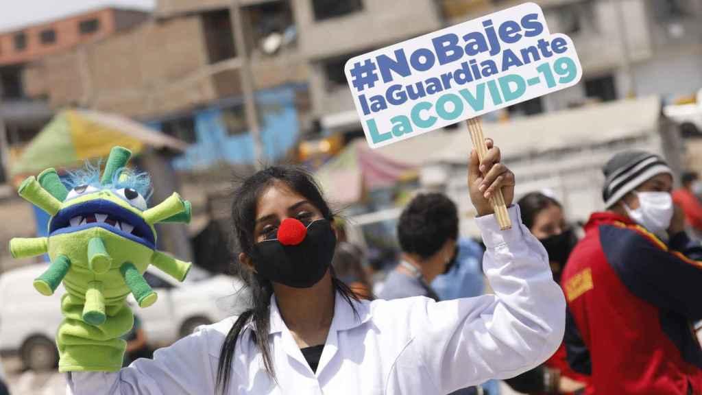 Manifestación de sanitarios peruanos contra la gestión de la Covid.  Mariana Bazo. EP.
