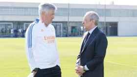 Carlo Ancelotti y Florentino Pérez, durante un entrenamiento del Real Madrid