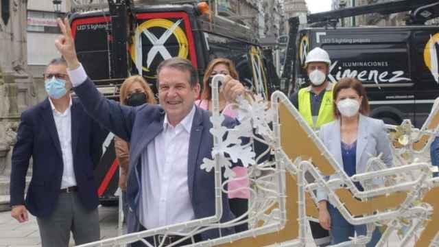 El alcalde de Vigo, Abel Caballero, en la presentación del inicio de los trabajos de instalación del alumbrado navideño.