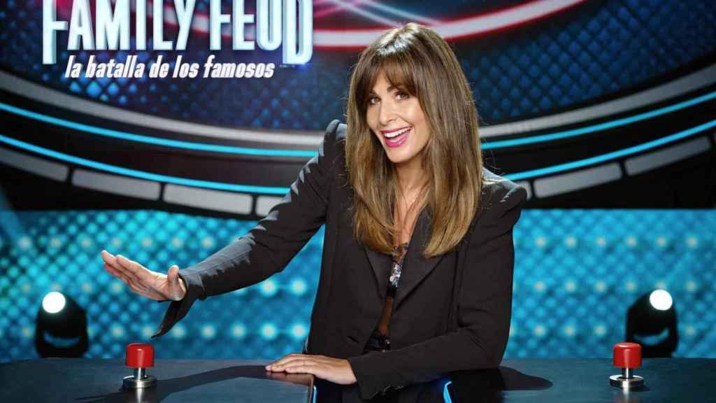 Nuria Roca presenta 'Family Feud: la batalla de los famosos' en Antena 3.