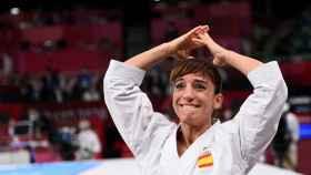Sandra Sánchez celebra su oro en Tokio 2020