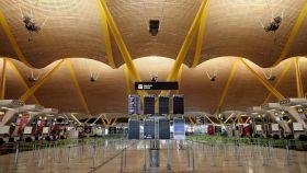 Imagen del aeropuerto de Barajas vacío.