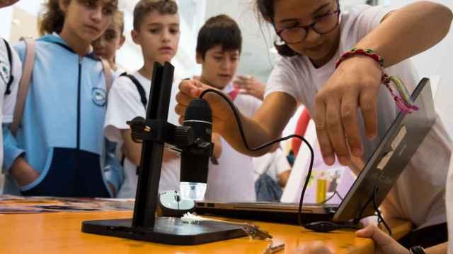 Una de las actividades de fomento tecnológico en niños organizada por el Gobierno de Canarias.