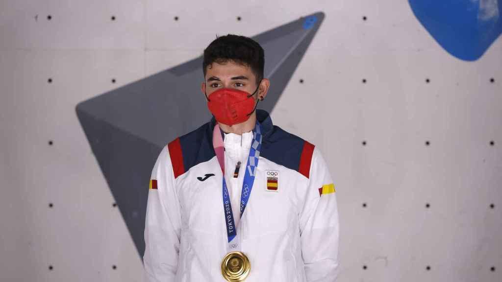 Alberto Ginés en el podio