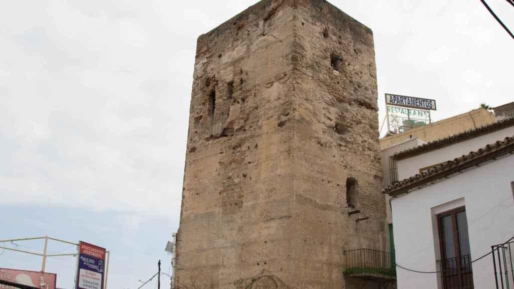 El marcaje cercano que realiza la torre de Pimentel a los guiris es impagable.
