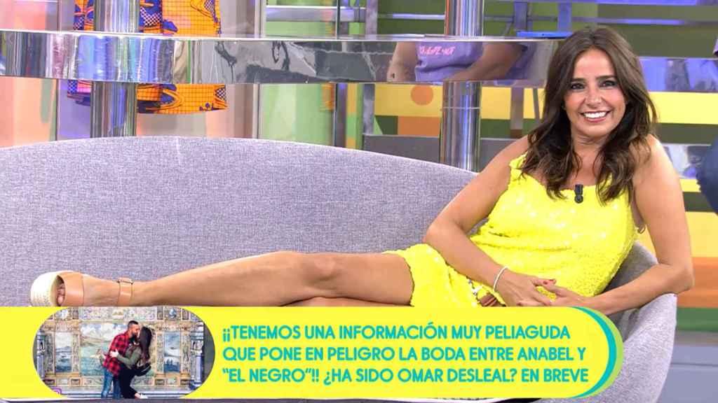 Carmen Alcayde reaparece en 'Sálvame' para promocionar su obra y se queda de tertuliana