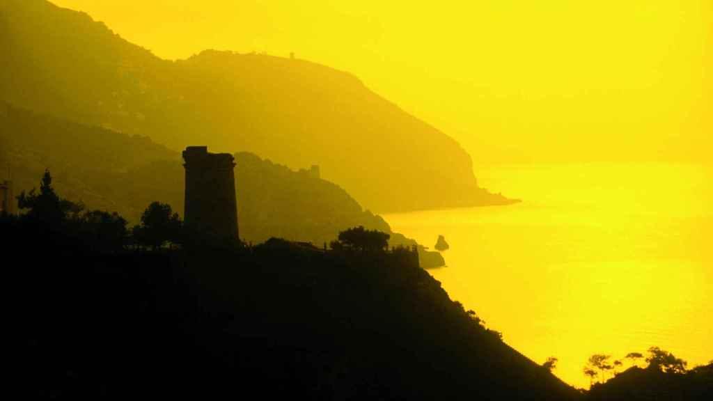 El litoral malagueño se encuentra jalonado de un pasado remoto, silencioso y por reivindicar.