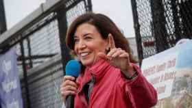 Kathy Hochul, actual vicegobernadora de Nueva York, relevará en el cargo a Andrew Cuomo.