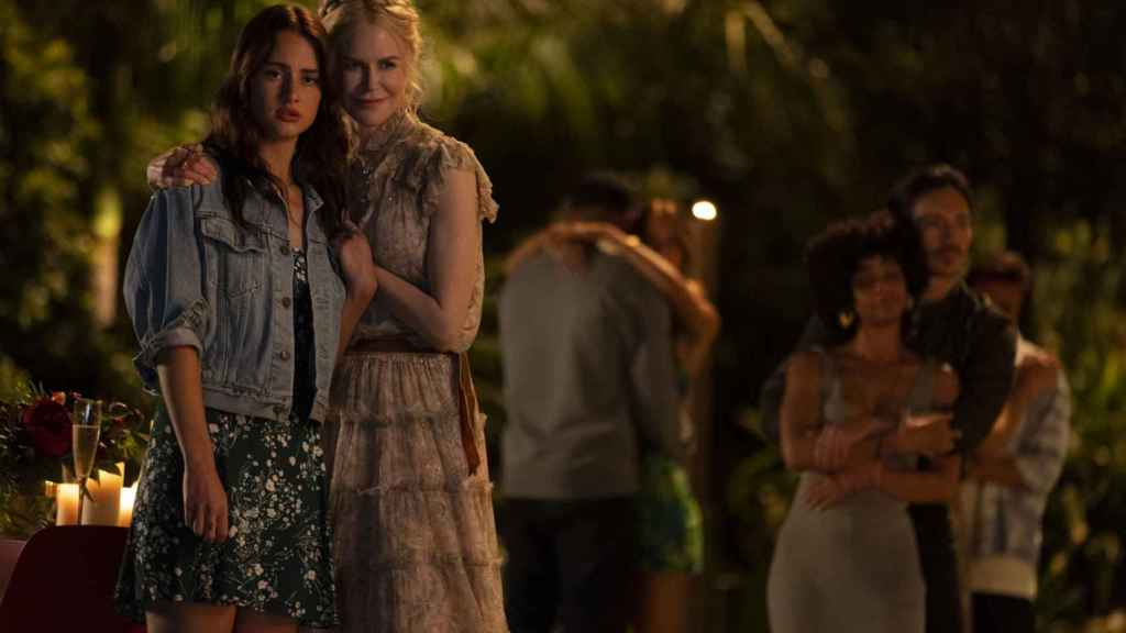 Grace Van Patten and Nicole Kidman in a scene from 'Nine Perfect Strangers'